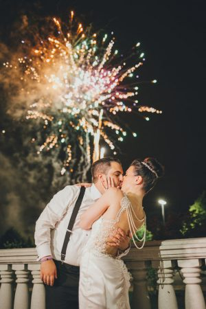 Romantic wedding kiss - OLLI STUDIO