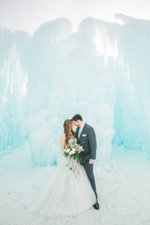 Romantic winter wedding picture - Andrea Simmons Photography LLC