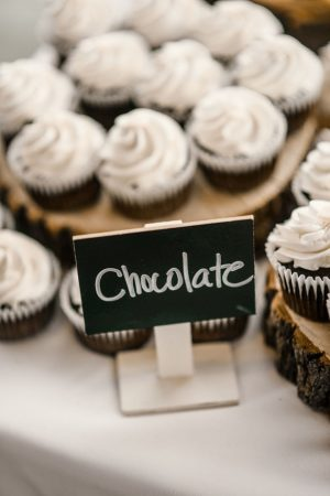 Wedding chocolate cupcakes - Melissa Avey Photography