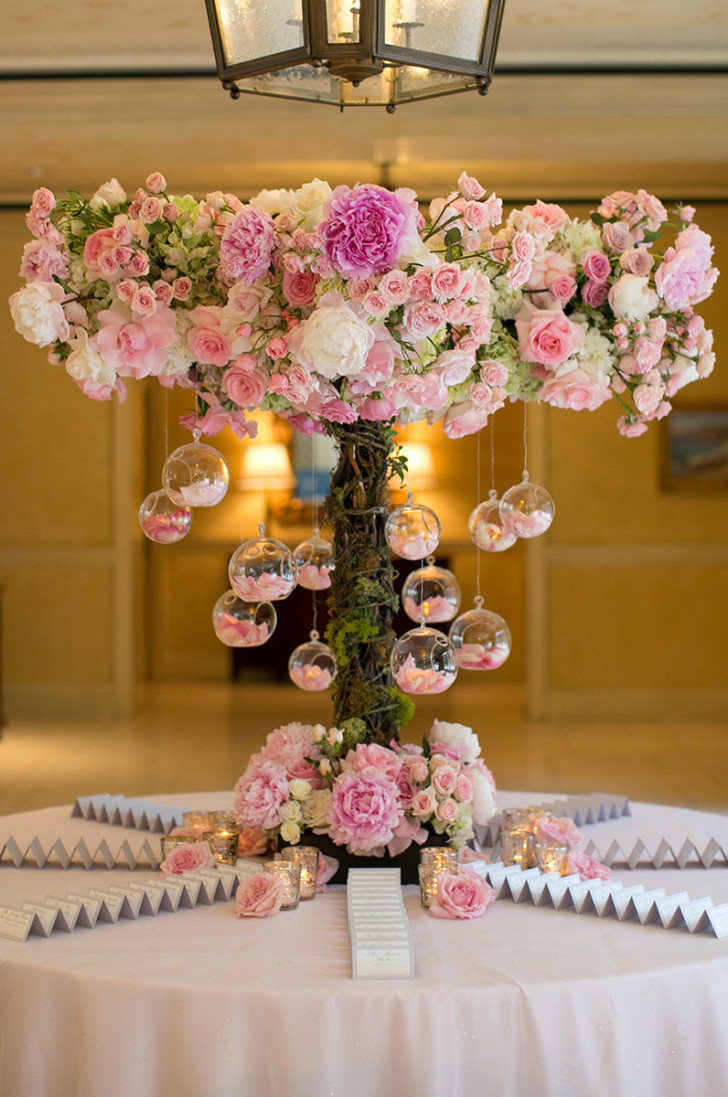 Best wedding centerpieces of 2016 belle the magazine - Centros florales modernos ...