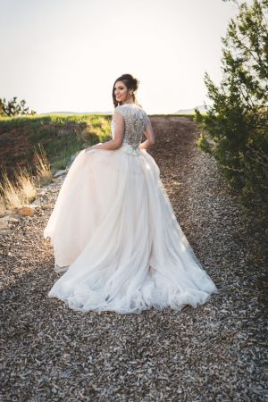 Bridal picture ideas - Emily Joanne Wedding Films & Photography