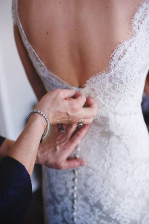 Bride getting ready - Justin Wright Photography