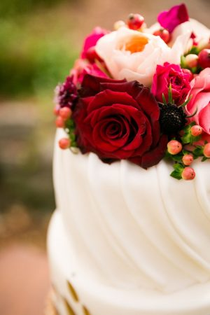 Floral wedding cake - Cimbalik Photography