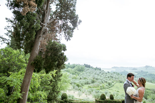 Gorgeous outdoor wedding picture - David Bastianoni