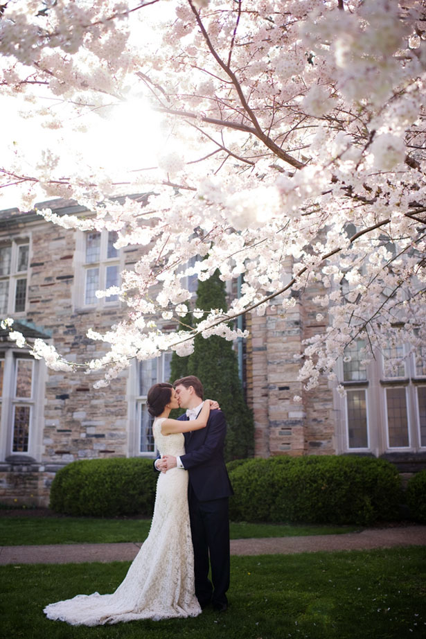 Romantic outdoor wedding picture - Justin Wright Photography
