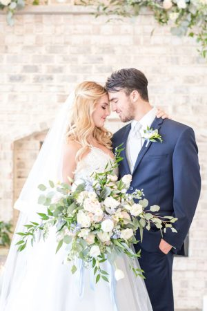 Romantic wedding picture ideas - Anna Holcombe Photography