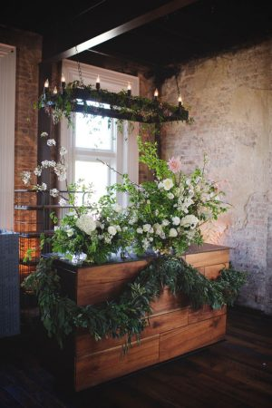 Rustic wedding flowers - Justin Wright Photography