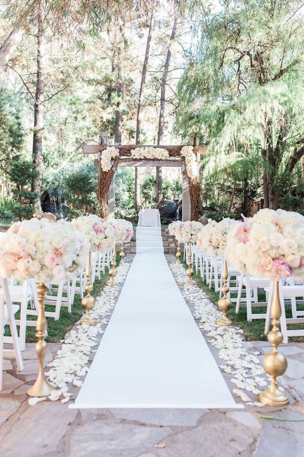 Wedding Ceremony Ideas - via Calamingos Ranch