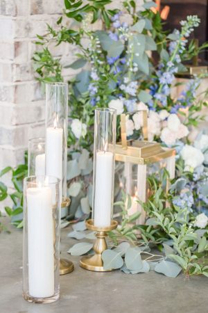 Wedding candel deccorations - Anna Holcombe Photography