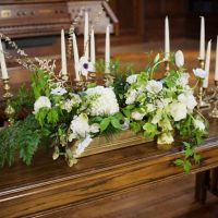 Wedding ceremony flowers - Justin Wright Photography
