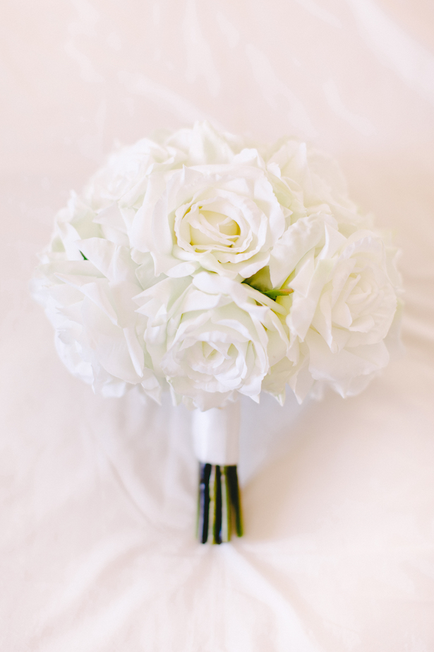 All white Wedding bouquet - Facibeni Fotografia