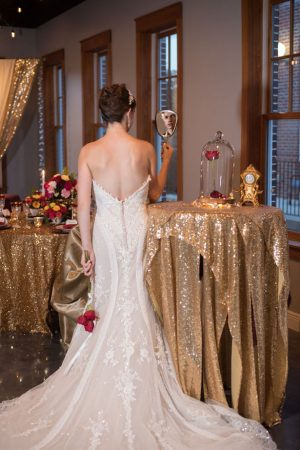 Bride and groom picture ideas - Corner House Photography