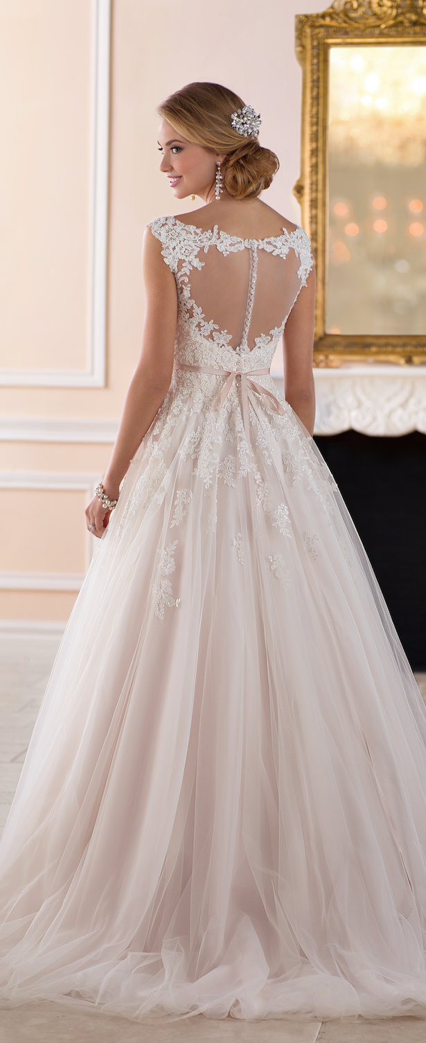 Wedding dresses by stella york spring 2017 bridal for Average price of wedding dress 2017