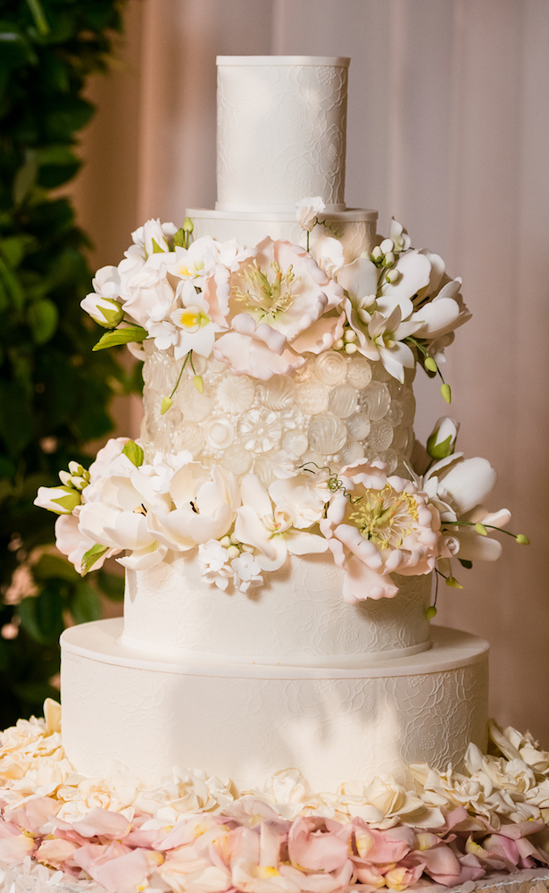 luxury wedding cake - Lin And Jirsa Photography