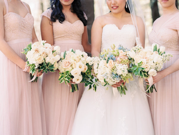 Bridesmaid bouquets - Hunter Photographic