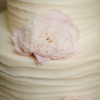 Floral wedding cake - Freeland Photography