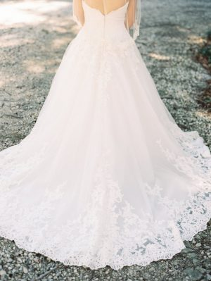 Lace wedding dress - Hunter Photographic