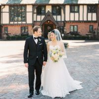 Stylish bride and groom - Hunter Photographic