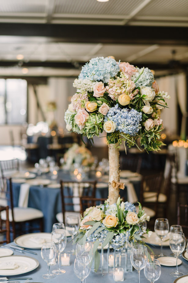 Tall wedding centerpiece - Hunter Photographic