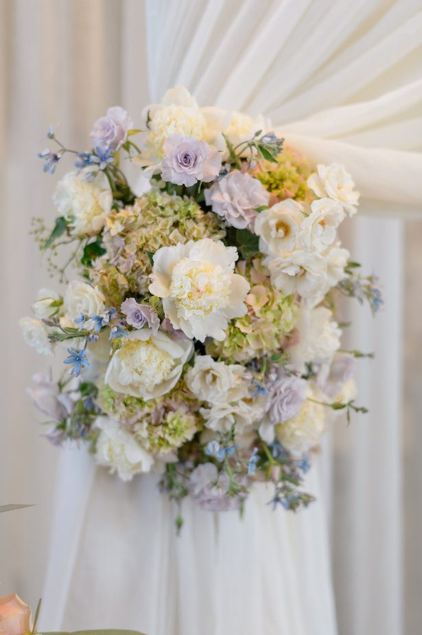 Wedding ceremony flowers - Hunter Photographic
