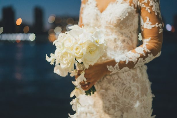 All-white wedding bouquet - Olli Studio