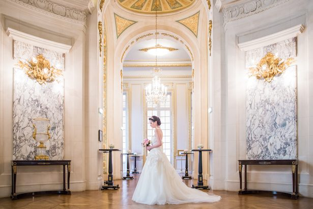 Romantic princess-wedding in a luxury hotel in Paris - Pierre Paris Photography