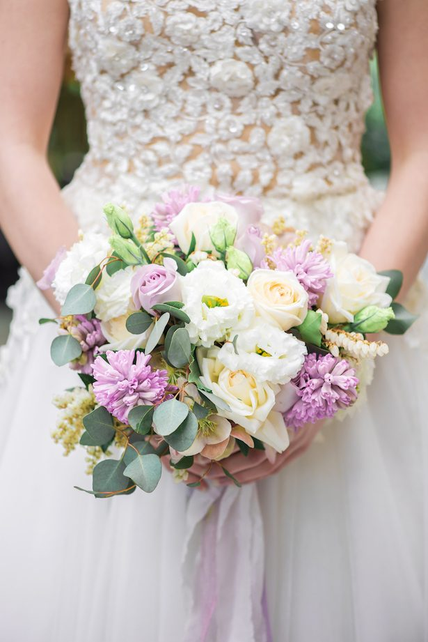 Beautiful violet wedding bouquet - L'estelle Photography