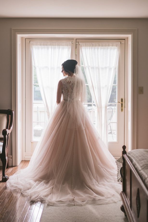 Beautiful wedding dress - Manifesto Photography