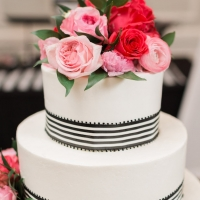 Black and white wedding cake - Alicia Lacey Photography