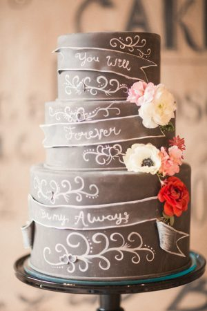 Chalkboard wedding cake - Gideon Photography