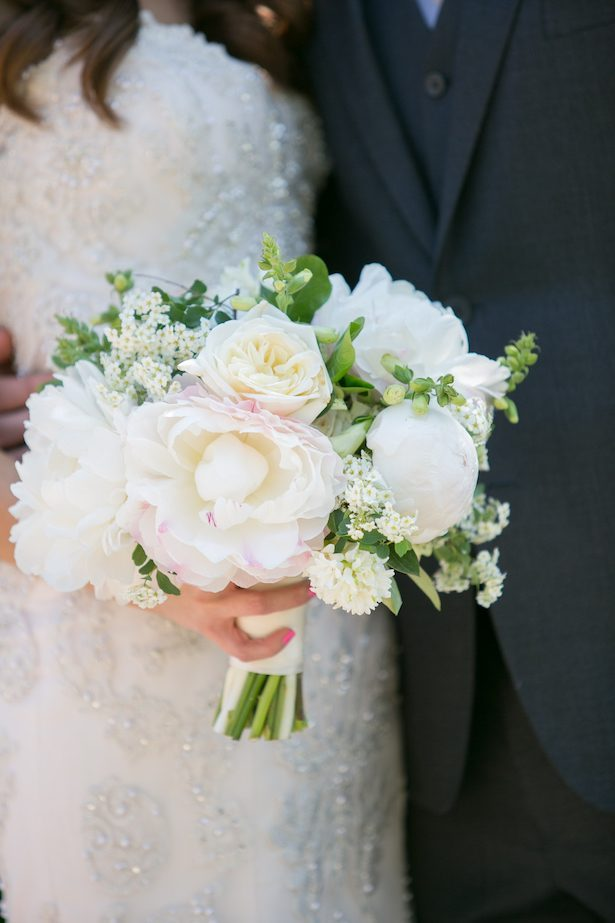 Romantic Wedding Fluffed with Peonies and Sequins
