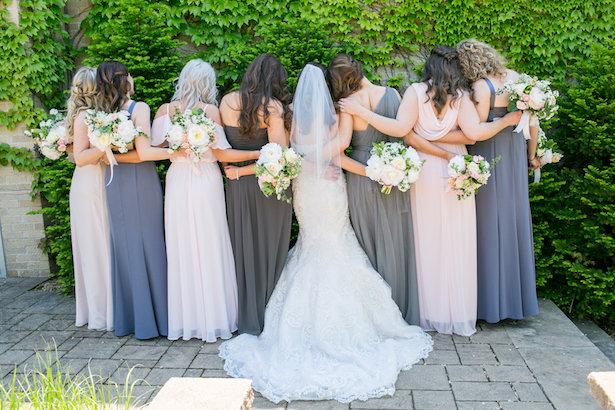 Bridal party photo ideas - Erin Johnson Photography