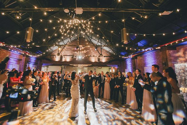 Bride and groom dance - Olli Studio