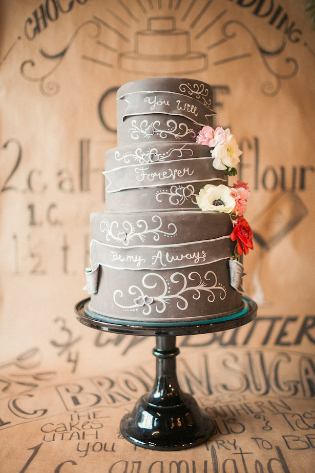 Chalkboard inspired wedding cake - Gideon Photography
