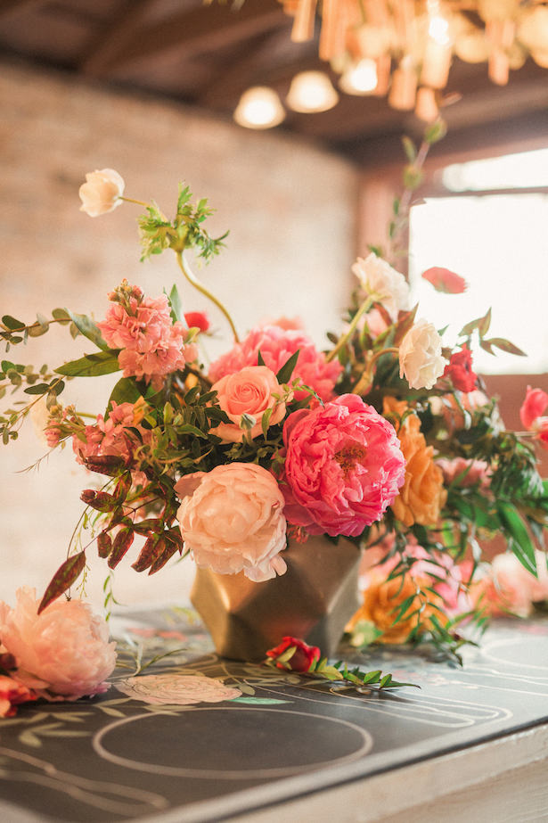 Peony wedding centerpiece - Gideon Photography