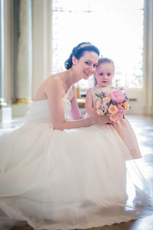 Flower girl and bride picture - Pierre Paris Photography