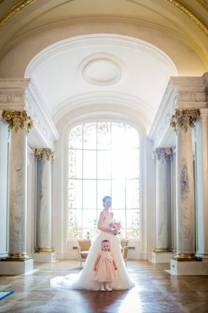 Flower girl and bride - Pierre Paris Photography