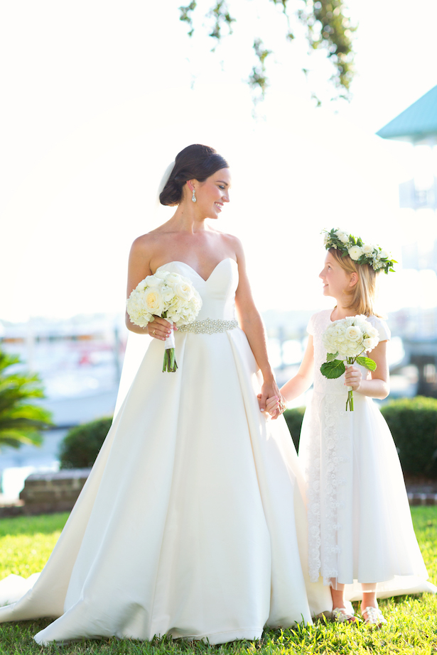 Flower girl and bride picture - Sunny Lee Photography