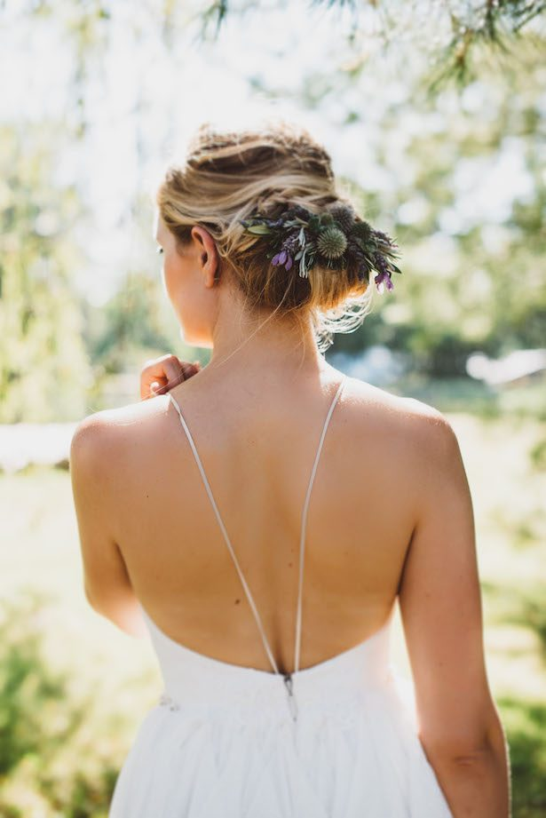 Fresh Floral Bridal Hairpiece - Suzuran Photography