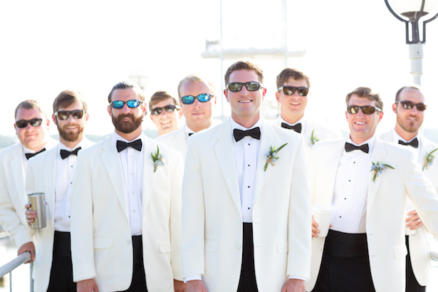 Fun groomsmen pictures - Sunny Lee Photography