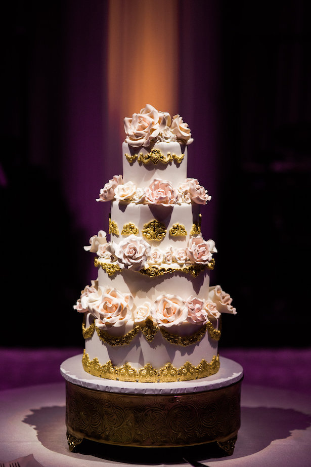 Gorgeous wedding cake - Style and Story Photography