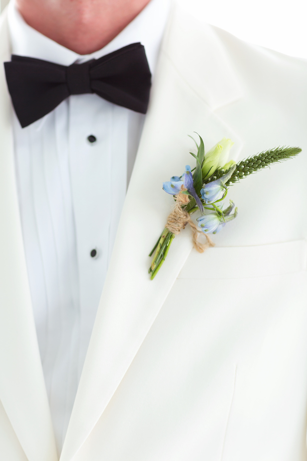 Groom boutonniere - Sunny Lee Photography
