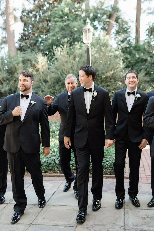 Groomsmen picture ideas – Alicia Lacey Photography