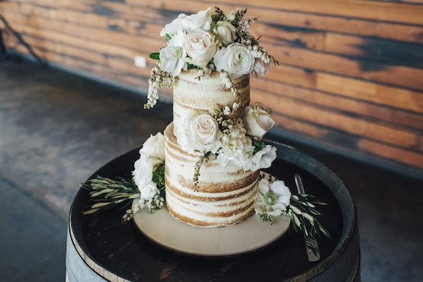 Naked wedding cake - The White Tree Photography