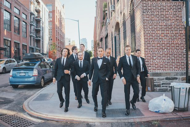 Outdoor groomsmen photos - Olli Studio