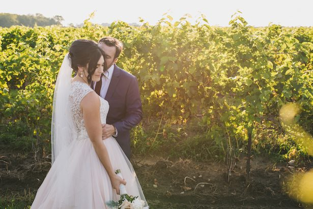 Outdoor wedding pictures - Manifesto Photography