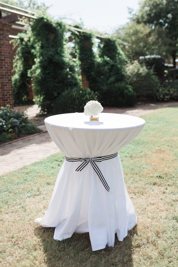 Outdoor wedding tables – Alicia Lacey Photography
