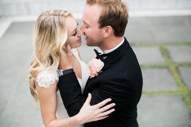 Romantic wedding photo - Style and Story Photography