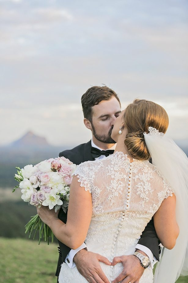 Romantic wedding photo ideas - Calli B Photography's