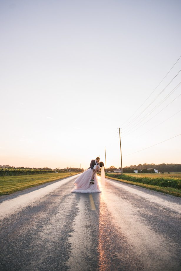 Romantic wedding picture ideas - Manifesto Photography
